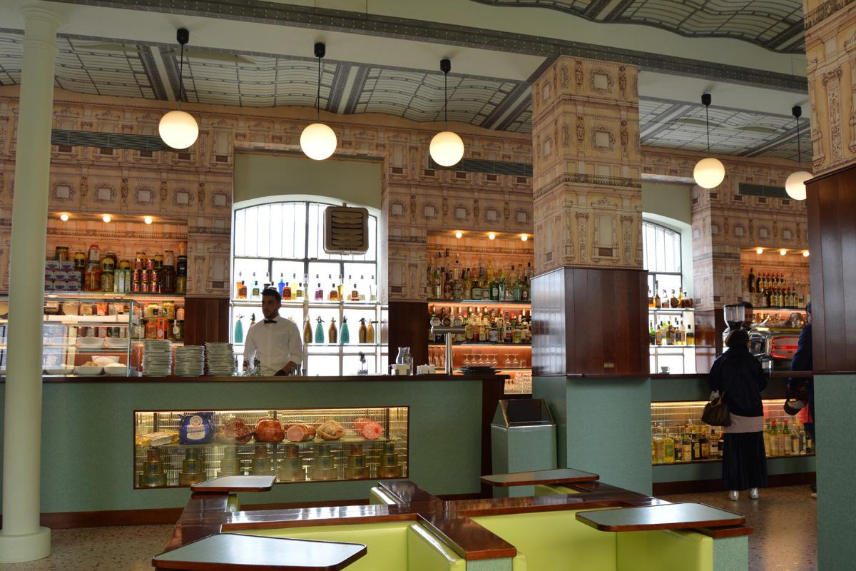 Luce, el bar diseñado por Wes Anderson